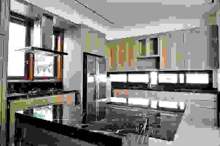 Pantry 2:modern  oleh ARF interior, Modern