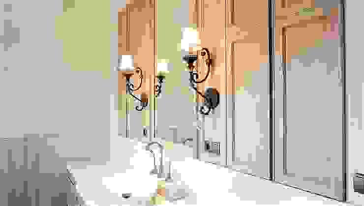 Master Bathroom 2:modern  oleh ARF interior, Modern