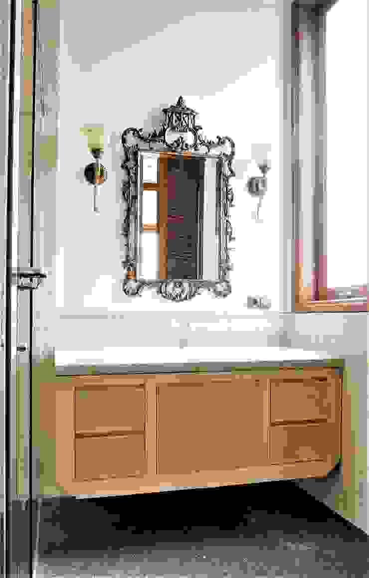 Second Floor Bathroom:modern  oleh ARF interior, Modern