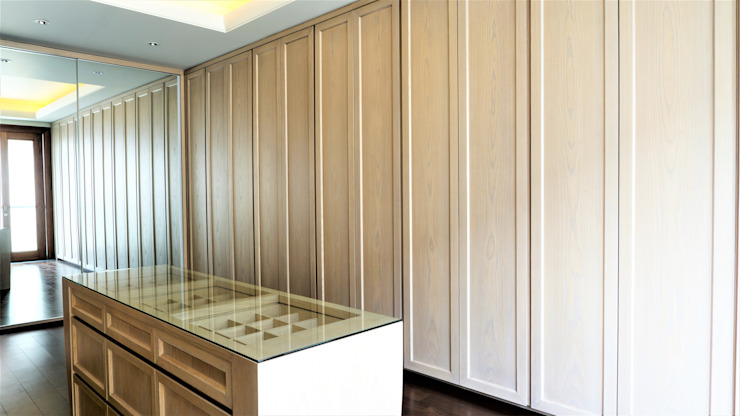 Master Walk In Closet 1:modern  oleh ARF interior, Modern