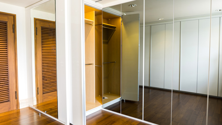 Child's Walk in Closet 7:modern  oleh ARF interior, Modern