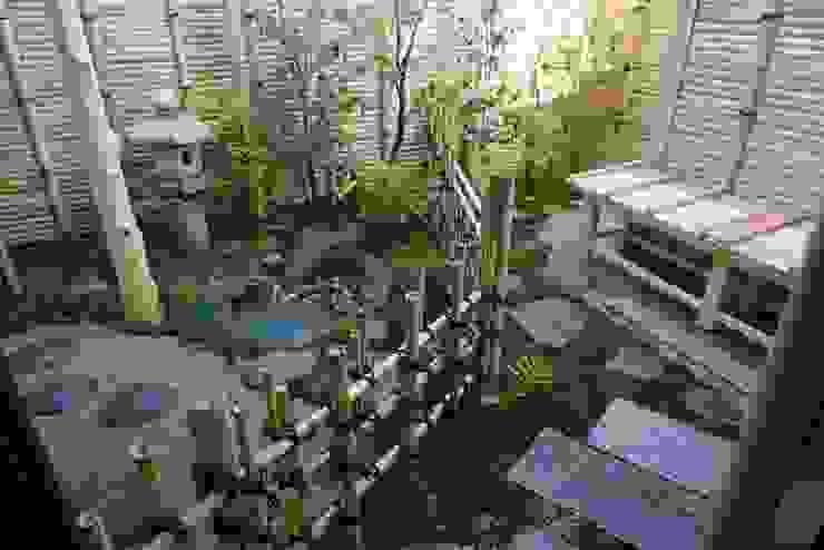 Rustikaler Garten von 庭良/高橋良仁庭苑設計室 Rustikal