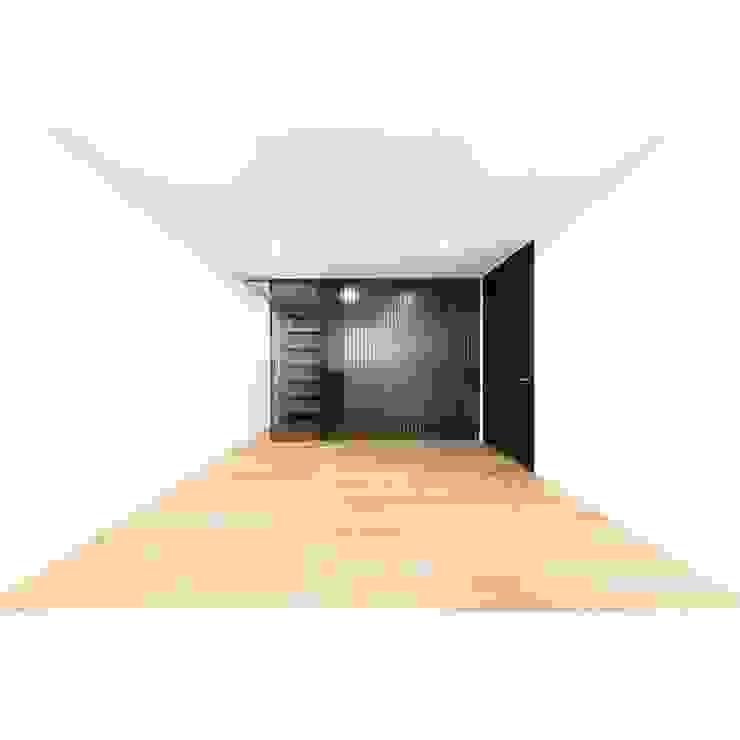 간살도어 vertical stripe design sliding door 모던스타일 드레싱 룸 by WITHJIS(위드지스) 모던 알루미늄 / 아연