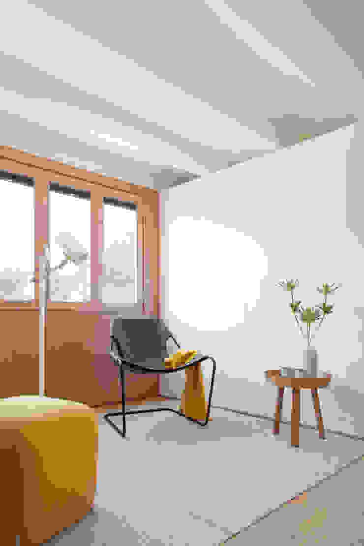 Mini apartamento en Gran de Gracia YLAB Arquitectos Salones de estilo escandinavo