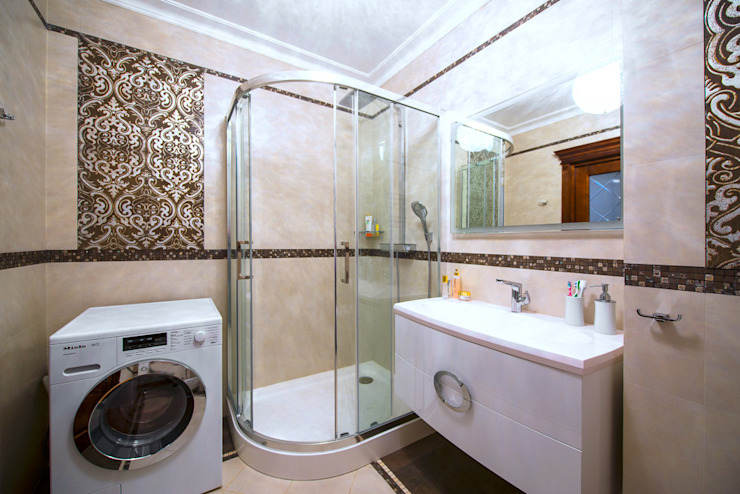 Реализованный дизайн-проект квартиры на Университете Ванная в классическом стиле от Style Home Классический