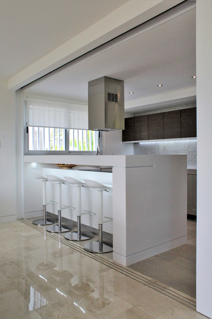 Apartamento en Chulavista Cocinas de estilo minimalista de RRA Arquitectura Minimalista Mármol