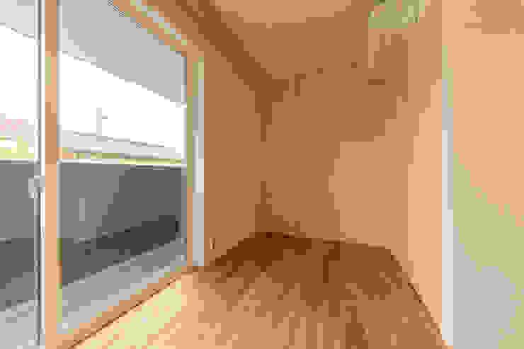 五藤久佳デザインオフィス有限会社 Modern nursery/kids room