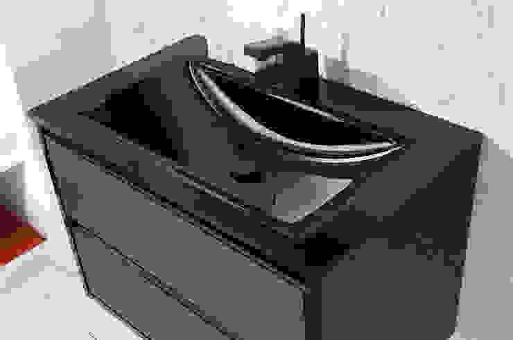 Moderne Badezimmer von FALEGNAMERIA ADRIATICA S.r.l. Modern