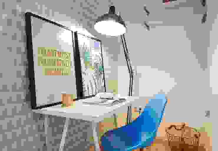 Möbliertes Appartement - Arbeiten Moderne Arbeitszimmer von Tschangizian Home Staging & Redesign Modern