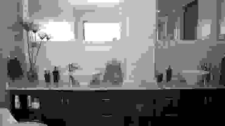 DISEÑO VIVIENDA MAC 220 Baños de estilo moderno de Territorio Arquitectura y Construccion - La Serena Moderno
