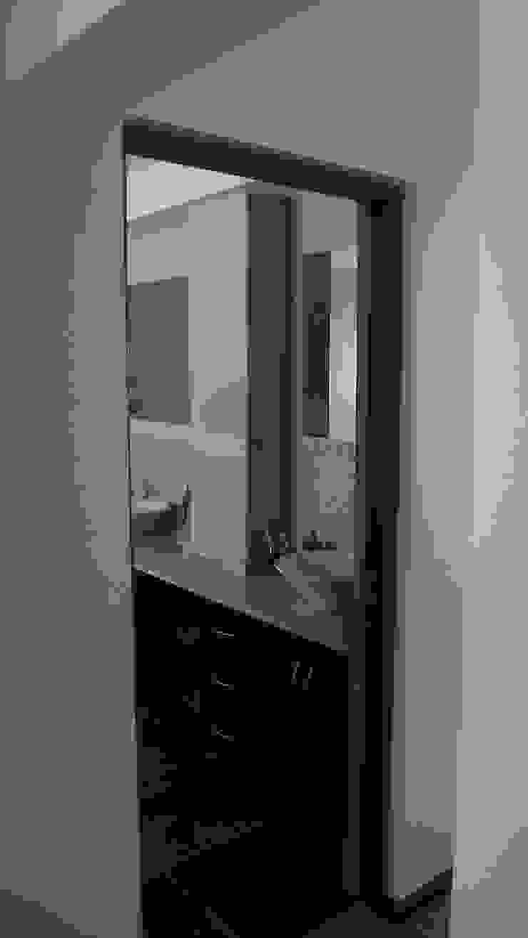 Baños modernos de Territorio Arquitectura y Construccion - La Serena Moderno