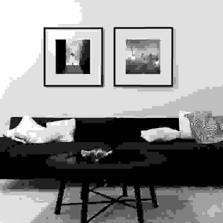 Modern living room by SPASIUM Modern