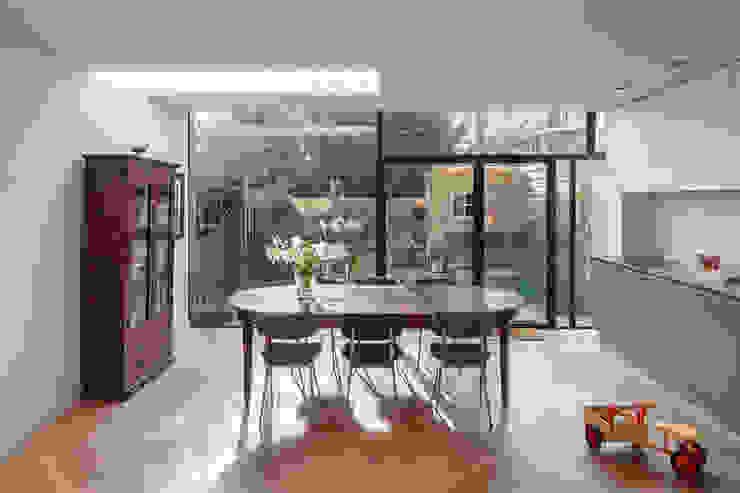 Van top tot teen Moderne eetkamers van Richèl Lubbers Architecten Modern