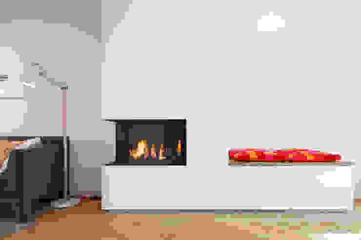 Van top tot teen Moderne woonkamers van Richèl Lubbers Architecten Modern