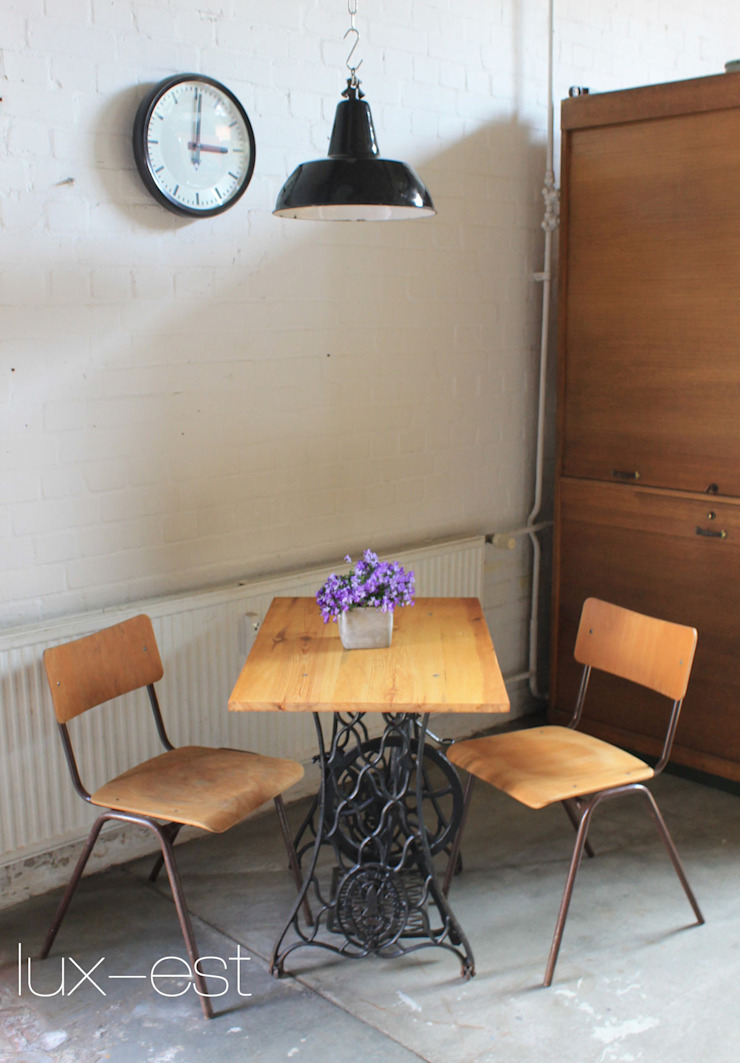 Lux-Est Industrial style dining room Wood