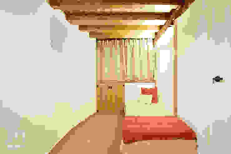 Casa Venancio Dormitorios de estilo rústico de METRIA Rústico Madera Acabado en madera