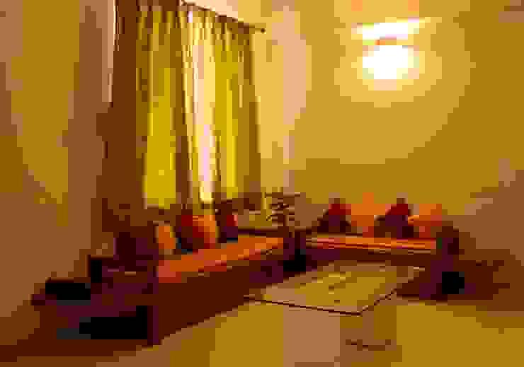 SEATING IN LIVING ROOM: minimalist  by YAAMA intart,Minimalist Wood Wood effect