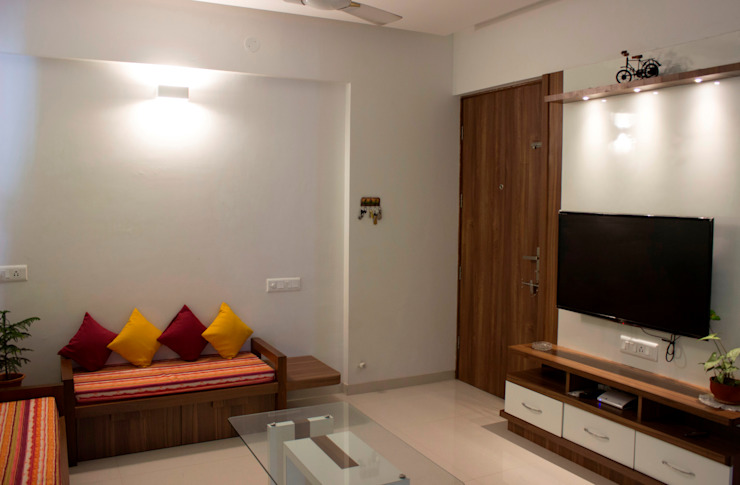 Re modelling  of Living room In Wakad, Pune: minimalist  by YAAMA intart,Minimalist Wood Wood effect