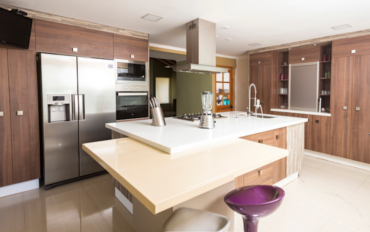 modern  by Innova Design, Modern Quartz