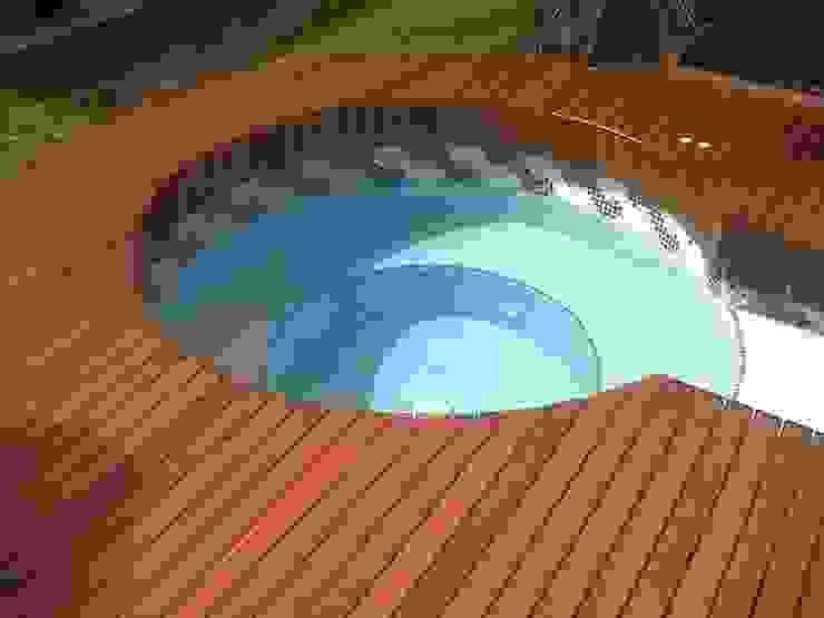 TECAS PISOS Y MADERAS SAS 泳池