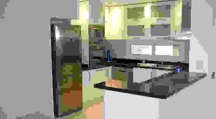 Cocinas de estilo moderno de ARQCONS Arquitectura & Construcción Moderno