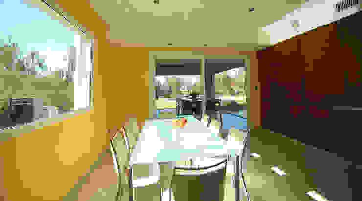 Casa San Eliseo Golf & Country: Comedores de estilo  por ARQCONS Arquitectura & Construcción,Moderno