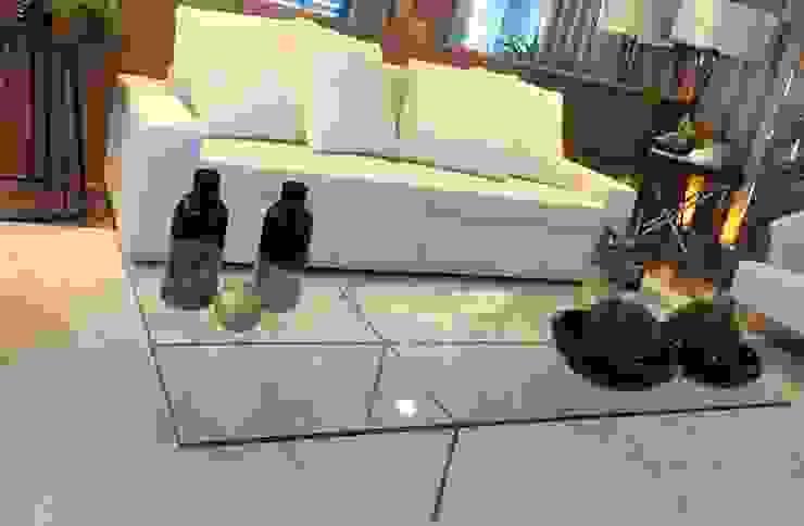 Sala Clean, bege, linho e vidro! por Sgabello Interiores Moderno Vidro