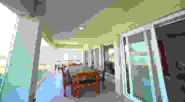 Moderne Häuser von ARQCONS Arquitectura & Construcción Modern