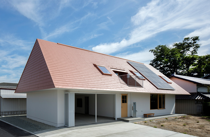 Moderne Häuser von ピークスタジオ一級建築士事務所 Modern