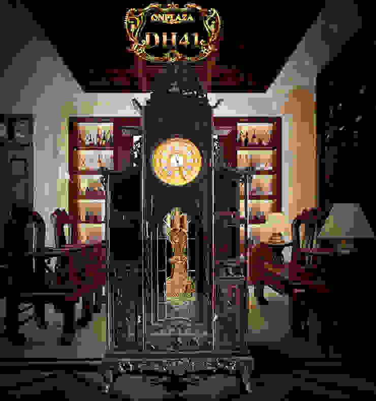 Đồng hồ cây gỗ gụ DH41 mái chùa kiểu lối cổ nhập Pháp mạ vàng: hiện đại  by Cửa hàng bán đồng hồ cây gỗ cao cấp ở Hà Nội, Hiện đại