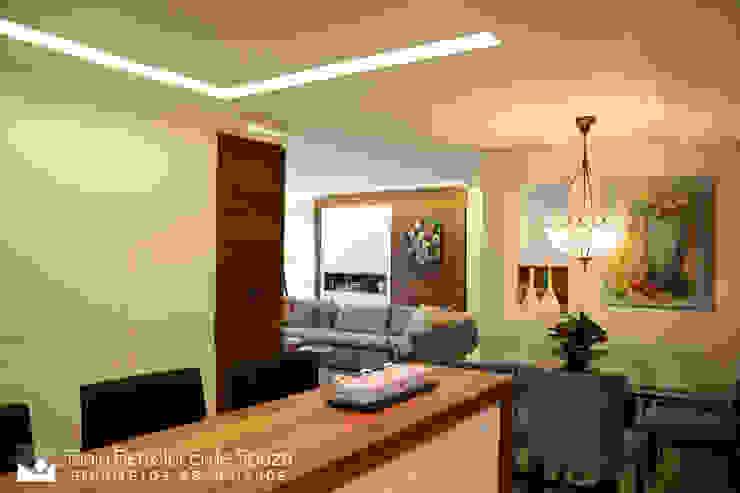 Tania Bertolucci de Souza | Arquitetos Associados Їдальня