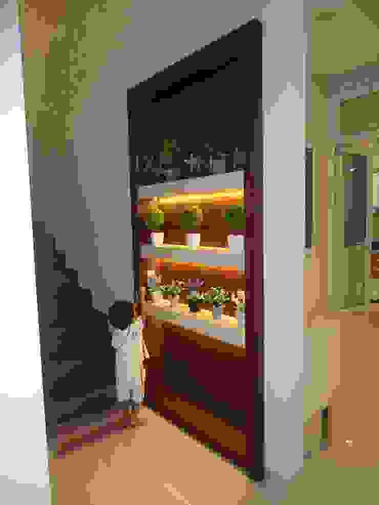 partisi 2 sisi :modern  oleh luxe interior , Modern Kayu Lapis