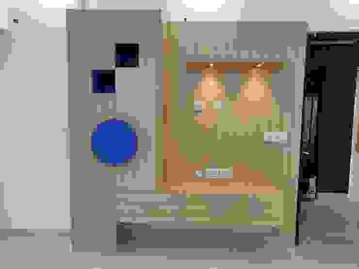 MR GIRISH'S FLAT (3 BHK Flat NOIDA) Modern style bedroom by Design Kreations Modern
