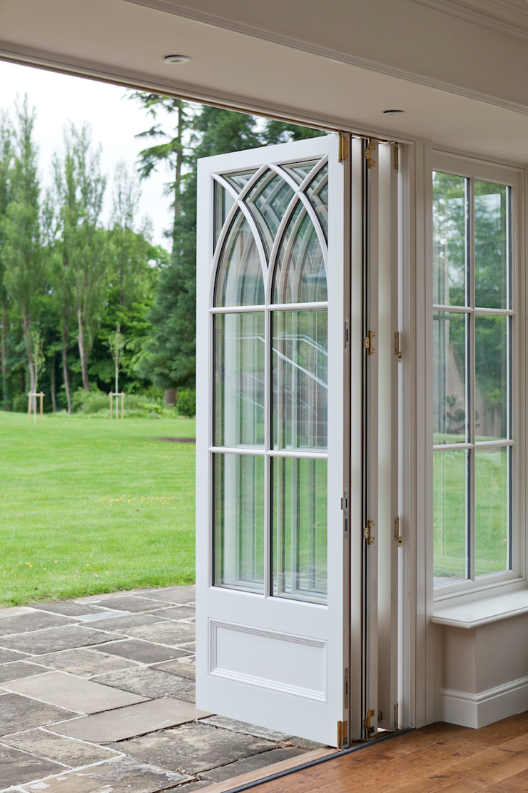 Orangery in Surrey Reflects the period details on the existing property. Vale Garden Houses Classic style conservatory Wood White