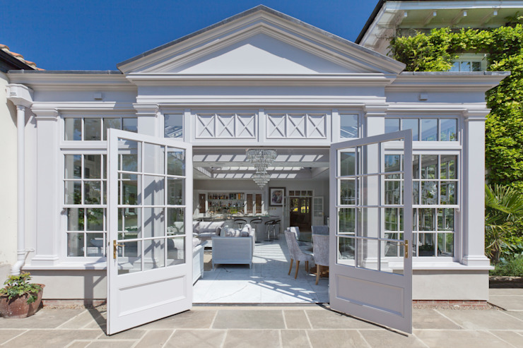 Twin roof lantern orangery homes a luxury kitchen Classic style conservatory by Vale Garden Houses Classic Wood Wood effect