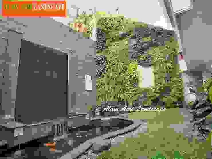 Jasa Pembuat Kolam Koi Surabaya: Kolam taman oleh Alam Asri Landscape, Minimalis Batu Bata