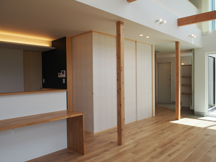 RAI一級建築士事務所 Modern Media Room Wood White