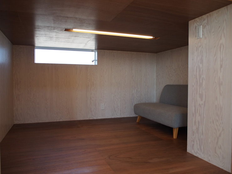 RAI一級建築士事務所 Modern Study Room and Home Office Plywood Wood effect