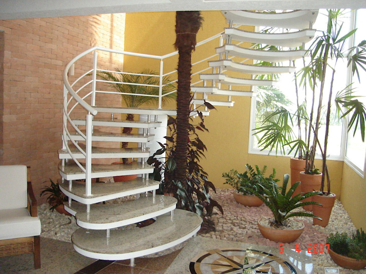 Лестницы в . Автор – ESCADAS MILLENIUM®, Модерн Бетон