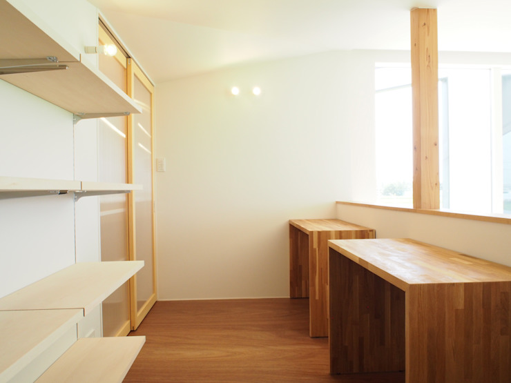 RAI一級建築士事務所 Modern Study Room and Home Office Plywood White