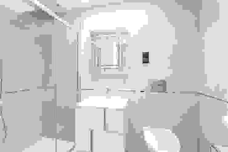 Darcies Mews Modern bathroom by The Crawford Partnership Modern