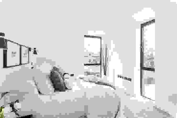 Darcies Mews Modern style bedroom by The Crawford Partnership Modern