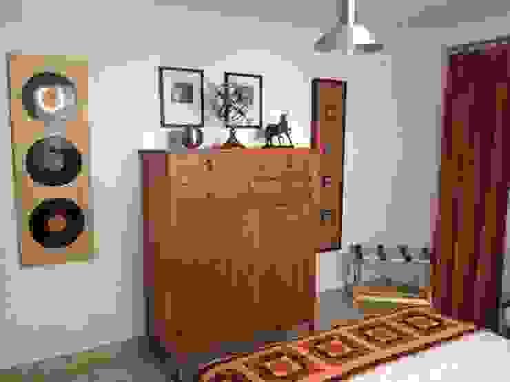 Decoración interior casa finca Nancy Trejos Habitaciones de estilo clásico Madera Beige