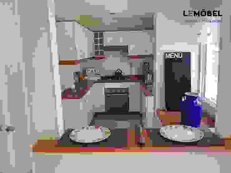 Cocina Olmos de Servicios Mobiliarios LeMöbel SpA Clásico