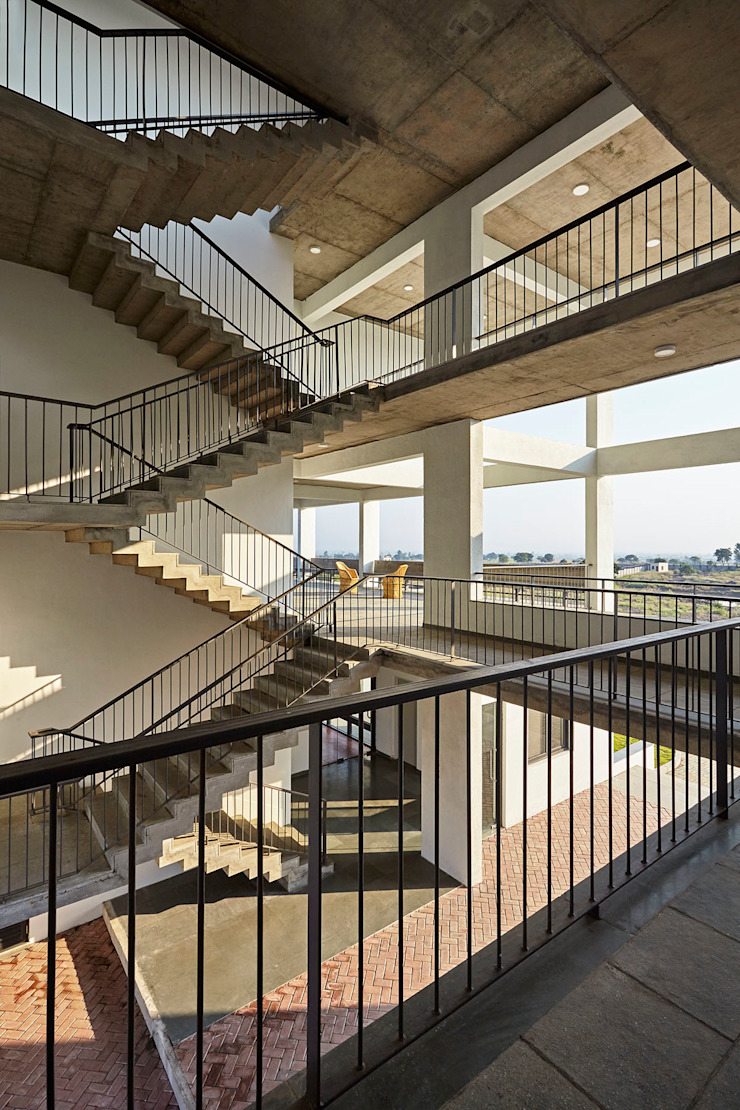 Framing Leadership by DCOOP ARCHITECTS Modern Concrete