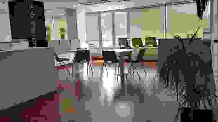 Areas comunes Oficinas y bibliotecas de estilo moderno de Lagom Studio Moderno Contrachapado