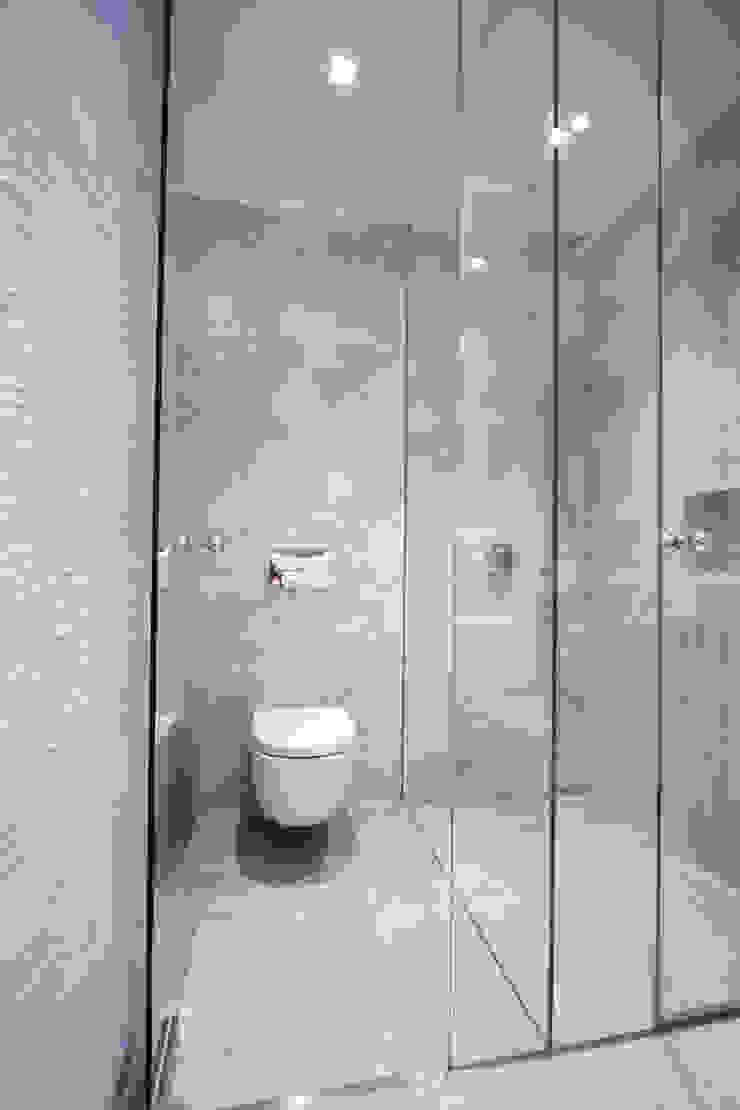 Reforma de piso en Oviedo Baños de estilo moderno de Bocetto Interiorismo y Construcción Moderno