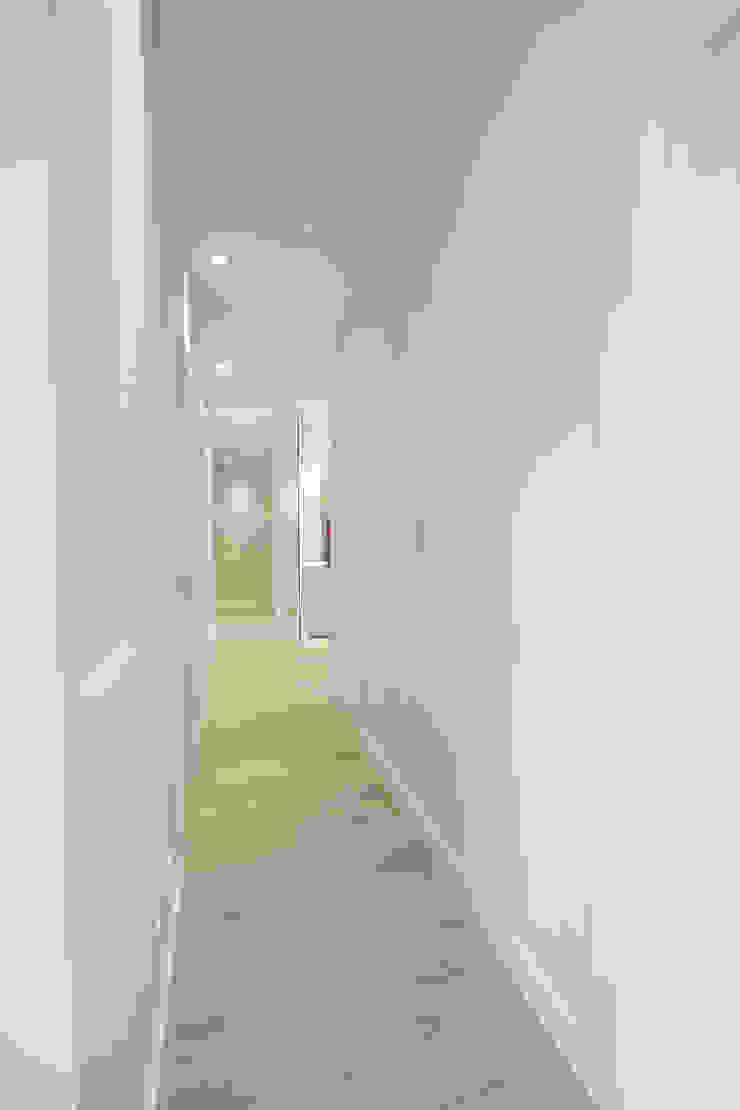 Reforma de piso en Oviedo Estudios y despachos de estilo moderno de Bocetto Interiorismo y Construcción Moderno