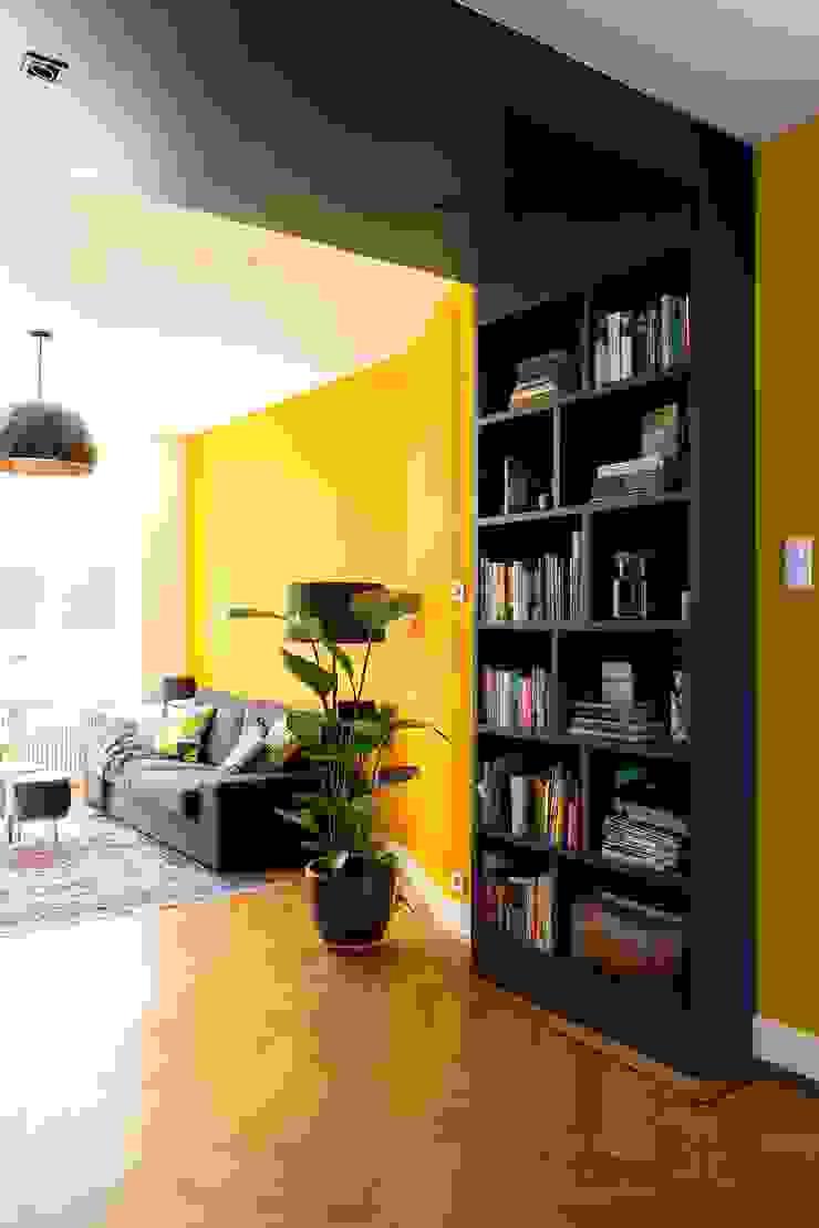 Kleurrijke familiewoning Den Haag Moderne woonkamers van Atelier Perspective Interieurarchitectuur Modern