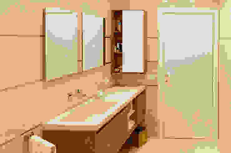 CusenzaMarmi Modern bathroom Marble Beige
